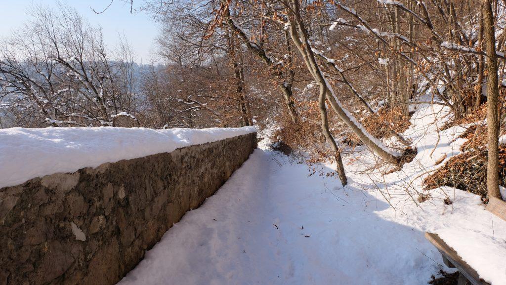 Wehrmauer im Schnee